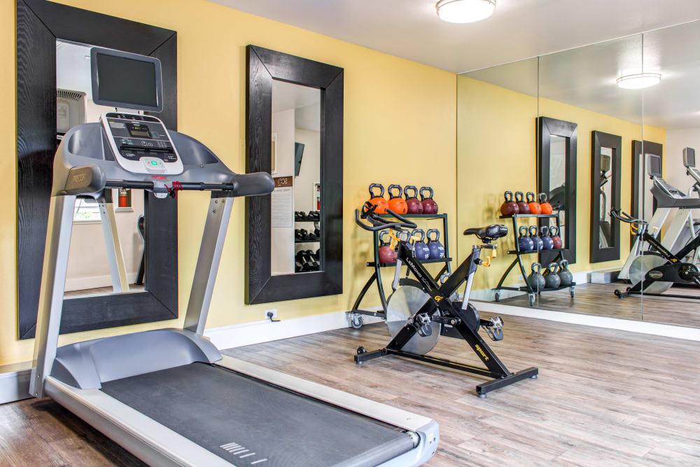Well-equipped onsite fitness center at Sofi Dublin in Dublin, California