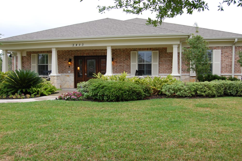 The exterior of Autumn Grove Cottage at Pearland in Manvel, Texas