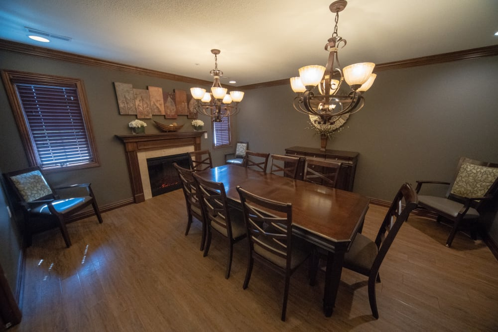 Private family dining room at Villas of Holly Brook Herrin in Carterville, Illinois