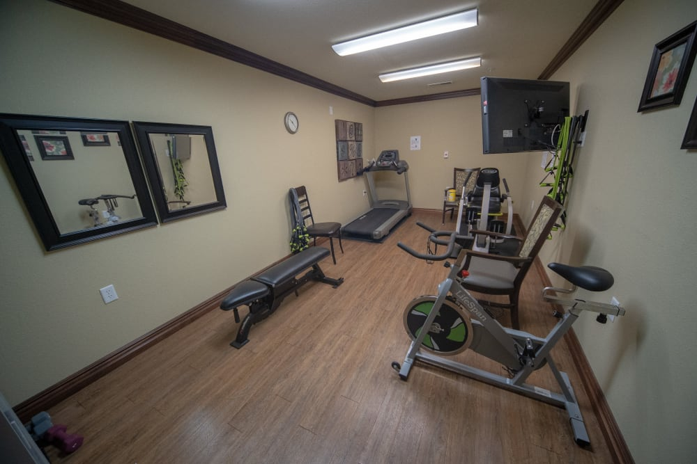 Small fitness studio for residents of Villas of Holly Brook Herrin in Carterville, Illinois