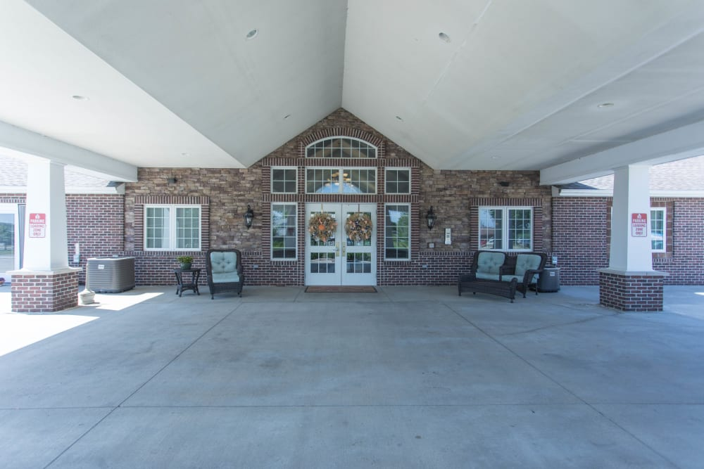 Main entrance to Villas of Holly Brook Newton in Newton, Illinois