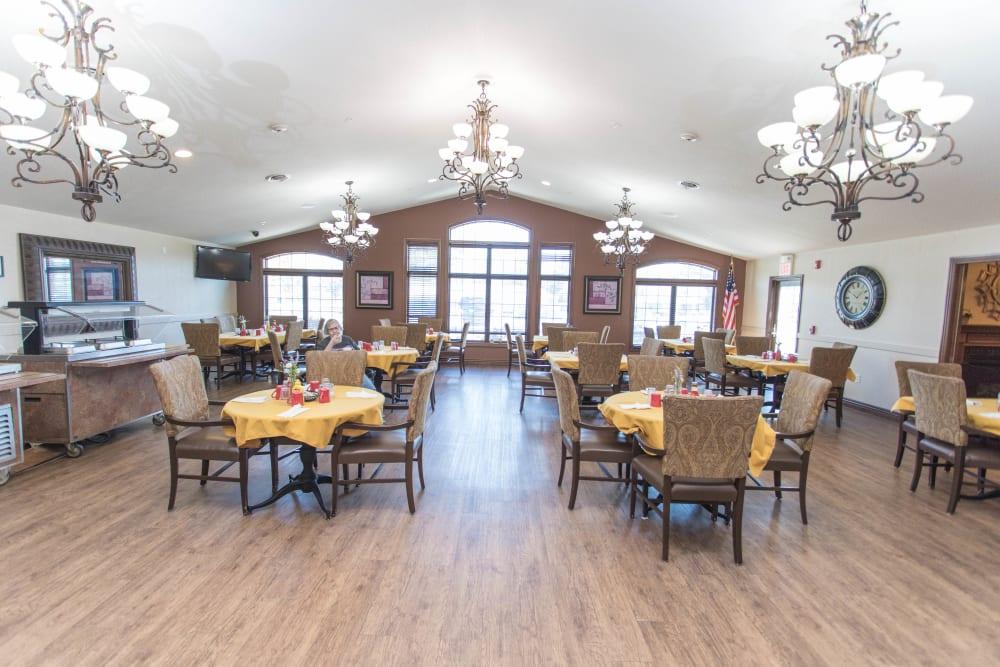 Dining hall at Villas of Holly Brook Newton in Newton, Illinois