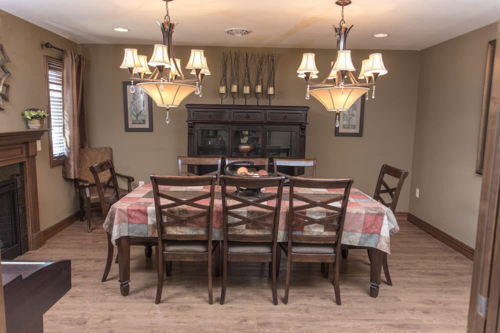Private family dining room at Villas of Holly Brook Newton in Newton, Illinois