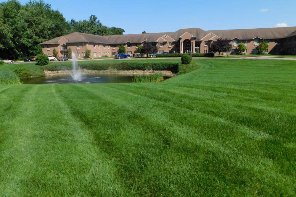 Sunny green lawn at Brentwood at Elkhart in Elkhart, Indiana