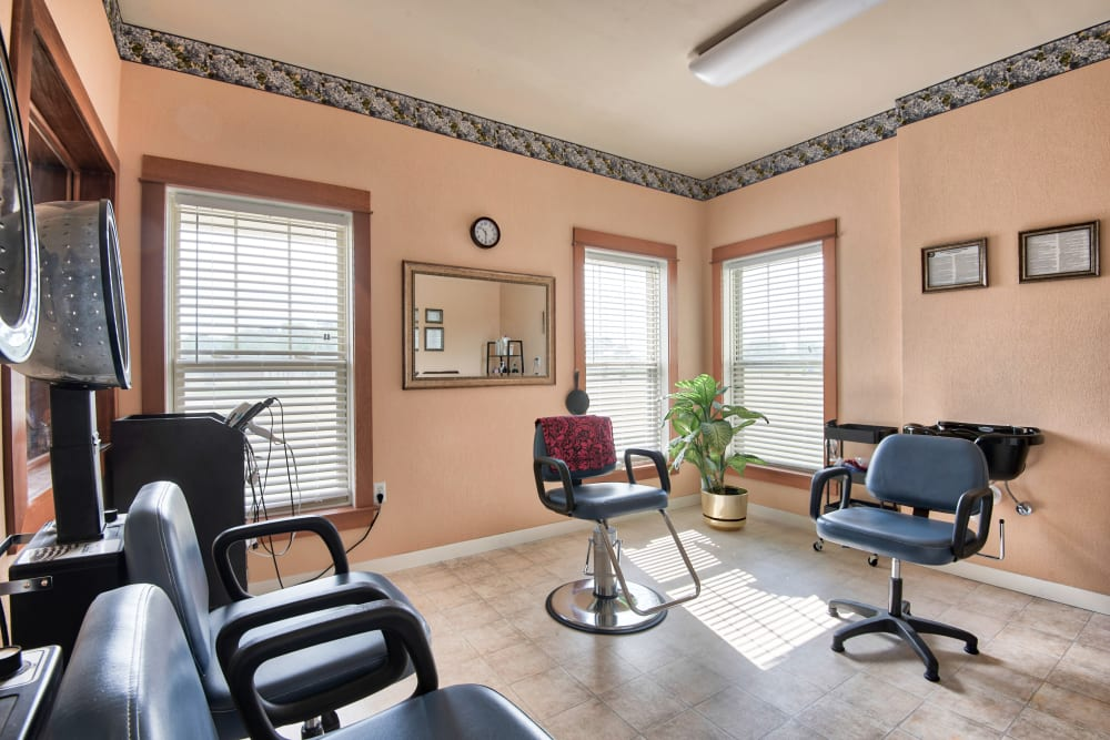 Hair salon at Landings of Oregon in Oregon, Ohio