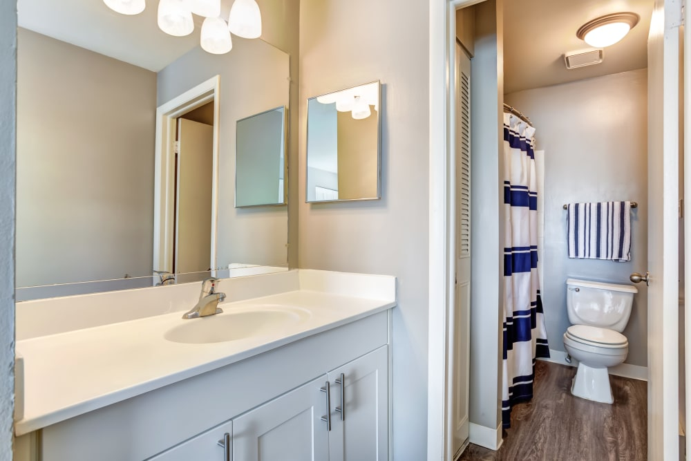 An apartment bathroom at Lakeside Apartments in Wheaton, Illinois