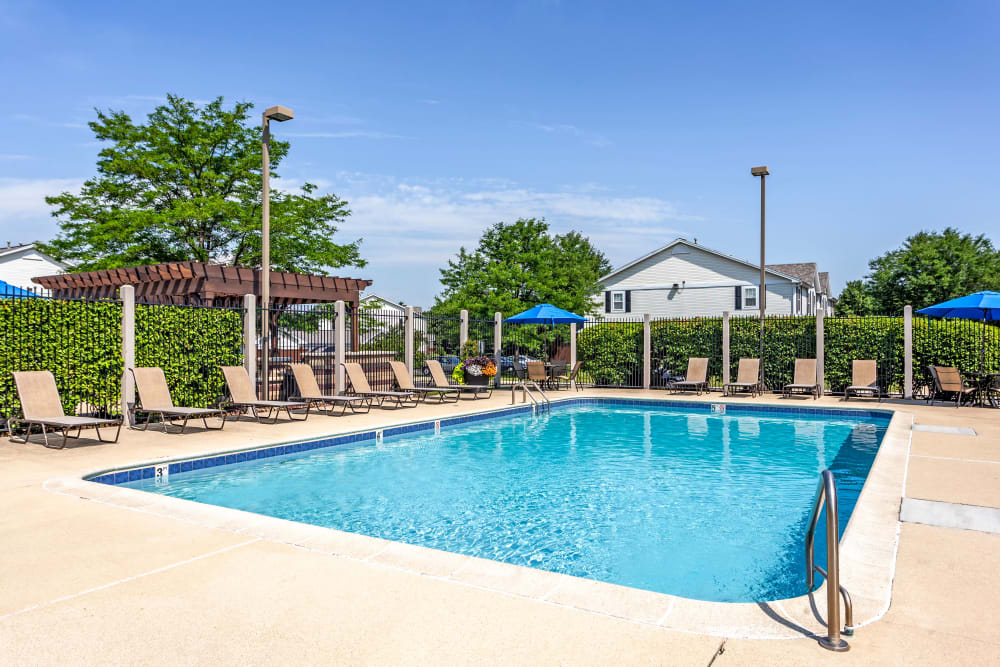 A beautiful pool at Lakeview Townhomes at Fox Valley in Aurora, Illinois