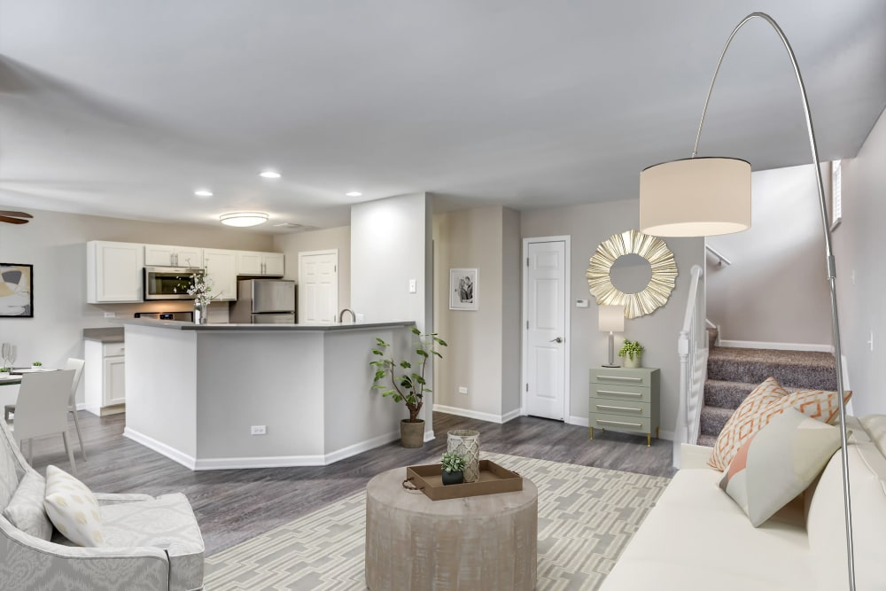 An apartment dining room and kitchen at Lakeview Townhomes at Fox Valley in Aurora, Illinois