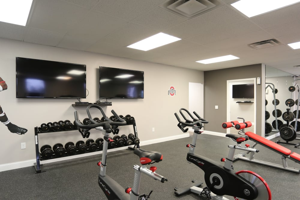 The onsite gym at Fox and Hounds Apartments in Columbus, Ohio