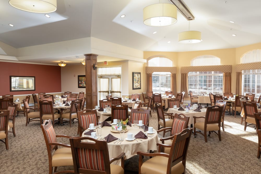 Dining hall at Touchmark on West Prospect