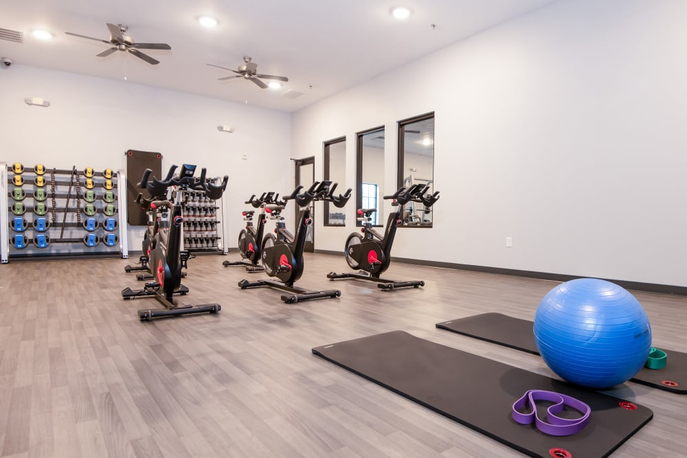 Enjoy Apartments with a Fitness Center at Carrollton Park of North Dallas
