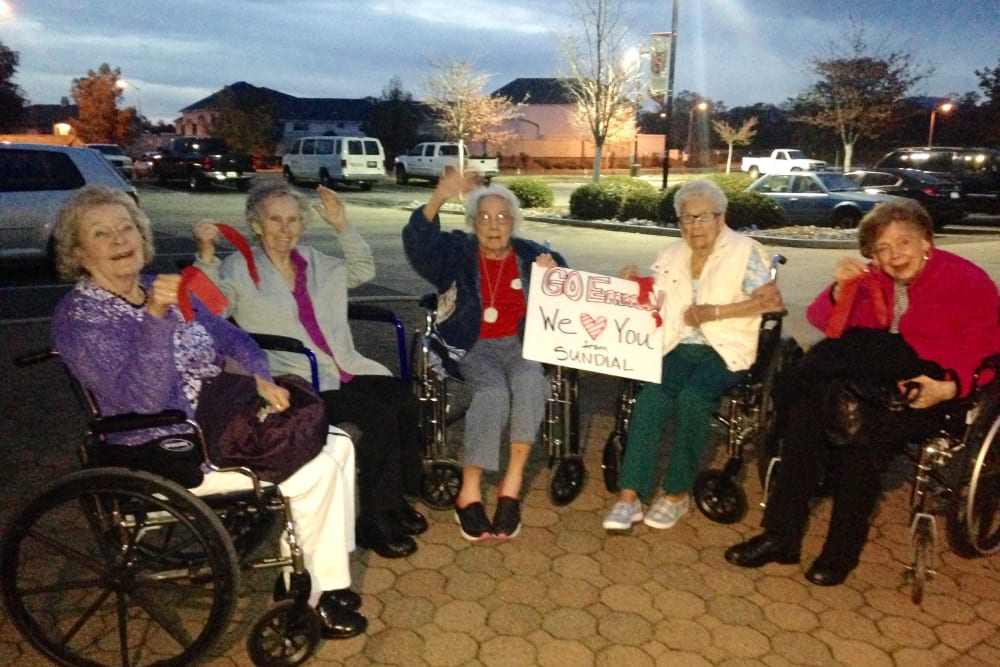 Friends at Sundial Assisted Living in Redding, California