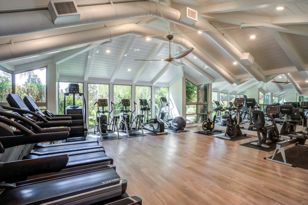 Fitness center at Glenbrook Apartments in Cupertino, California