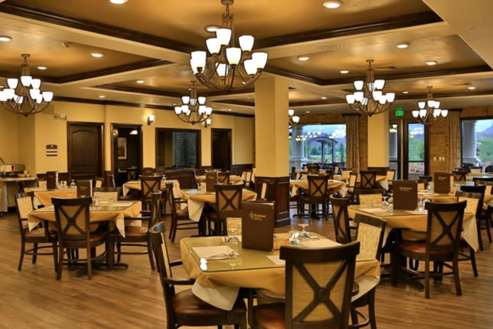 An elegant dining room at The Retreat at Sunbrook in St. George, Utah
