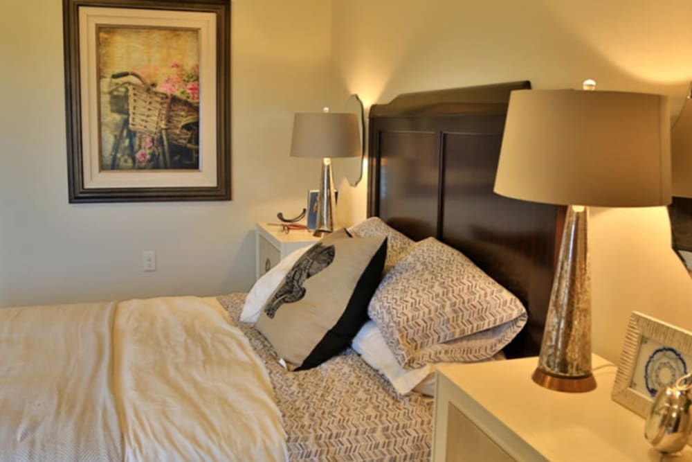 A comfortable bedroom at The Retreat at Sunbrook in St. George, Utah