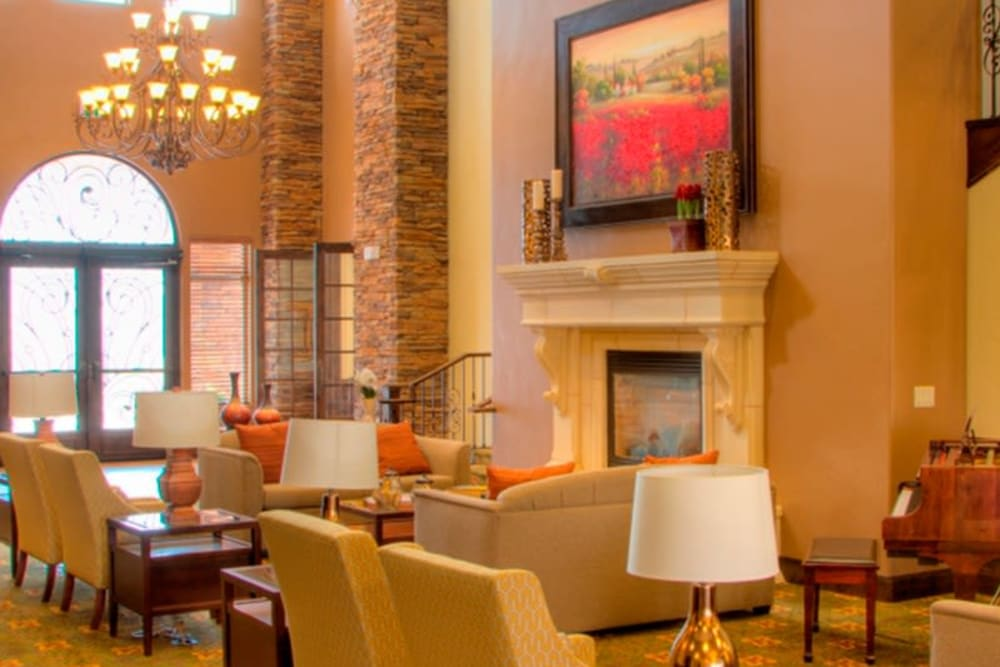A sunshine filled community area at The Retreat at Sunriver in St. George, Utah