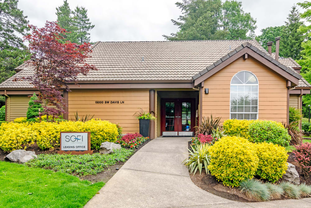 Exterior view of the leasing office at Sofi Lake Oswego in Lake Oswego, Oregon