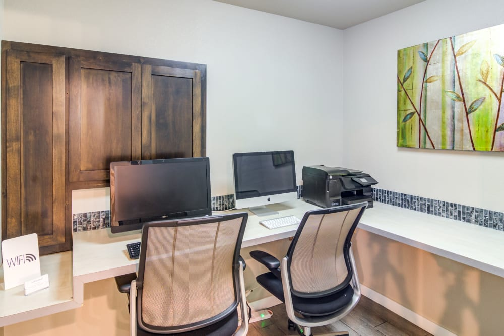 Onsite business center at Sofi Lake Oswego in Lake Oswego, Oregon