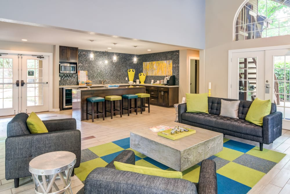 Modern decor in the resident clubhouse at Sofi Lake Oswego in Lake Oswego, Oregon
