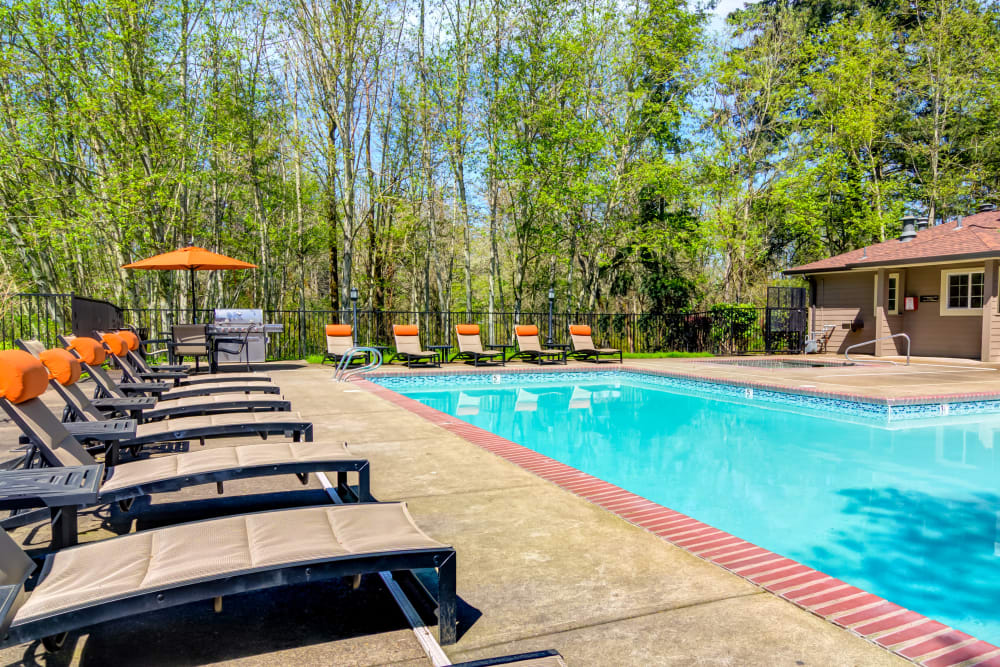 Pool area on a sunny day at Sofi at Murrayhill in Beaverton, Oregon