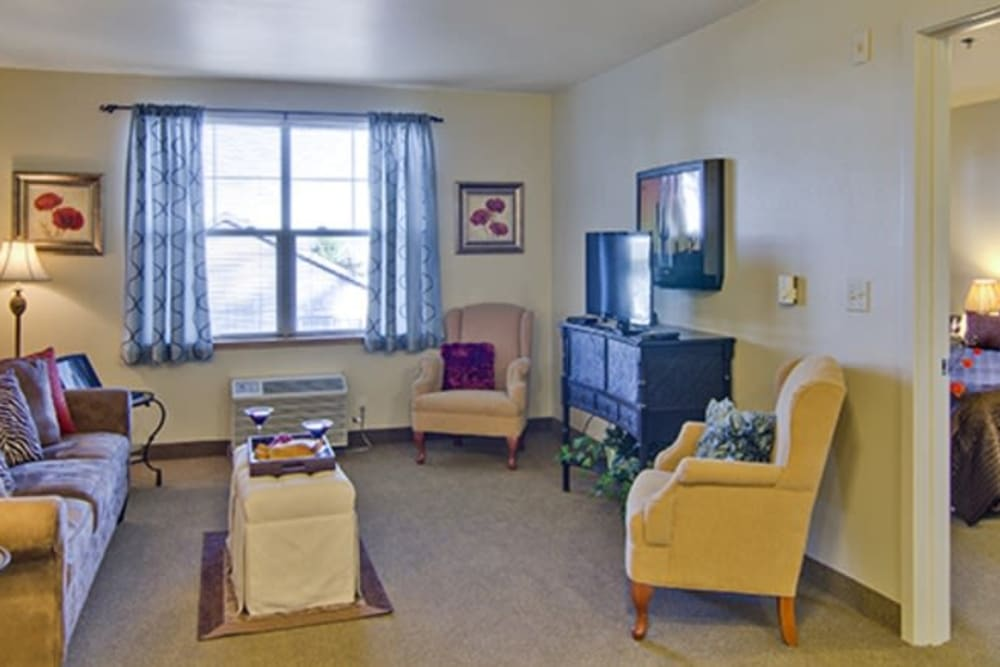 An apartment living room at Cherry Park Plaza in Troutdale, Oregon