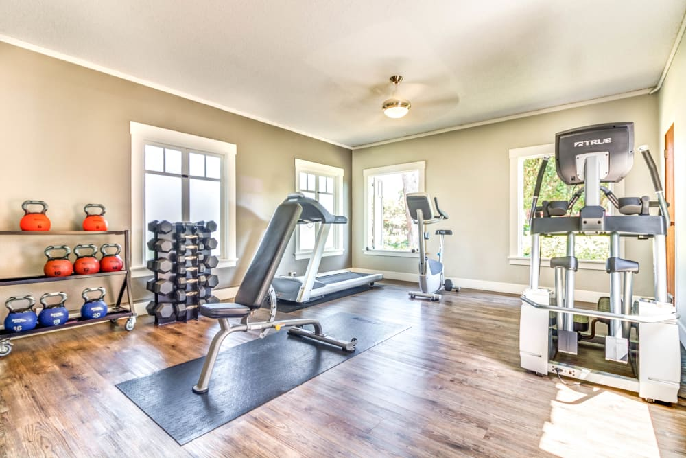 Well-equipped onsite fitness center at The Landmark Apartment Homes in Sunnyvale, California