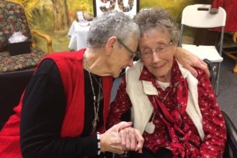 Residents at HeatherWood Assisted Living & Memory Care in Eau Claire, WI