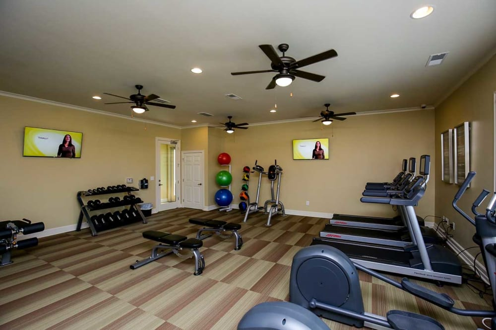 Workout room at Commonwealth at 31 in Spring Hill, Tennessee