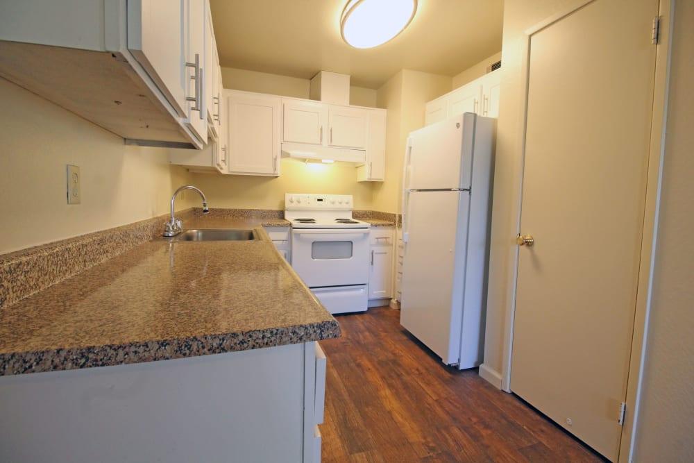 Kitchen of California Center Apartments in Sacramento, California