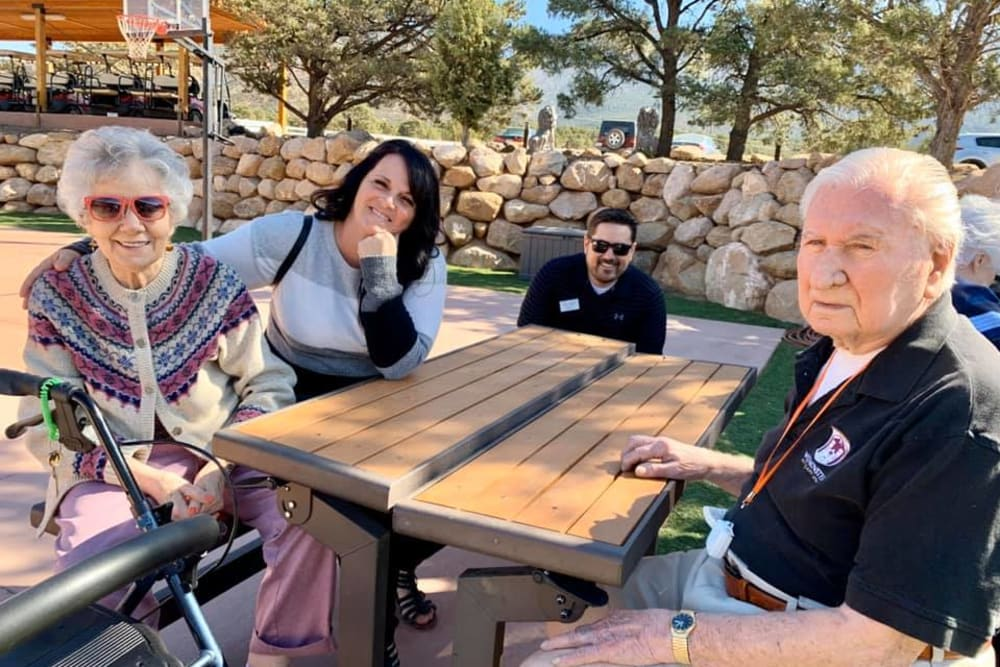 Residents and staff enjoying time outside at The Retreat at Sunbrook in St. George, Utah