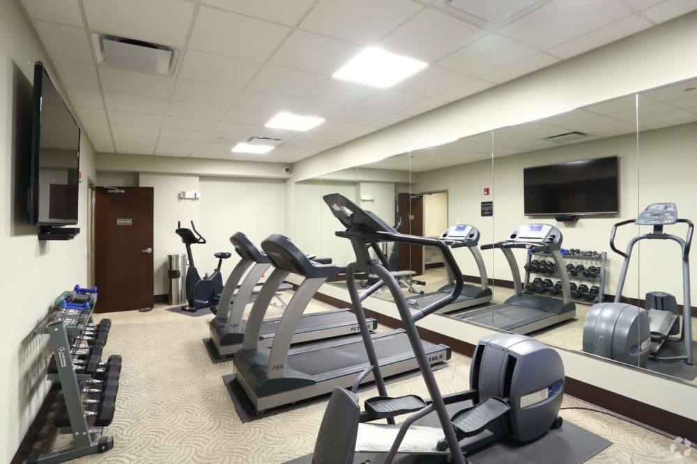 Fitness center at 301 Riverwalk Place in Buffalo Grove, Illinois