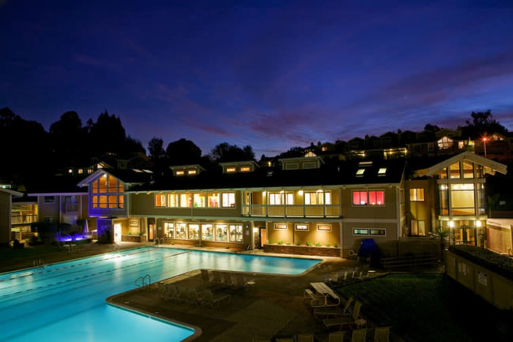 Night view of the pool at Harbor Point Apartments in Mill Valley, California