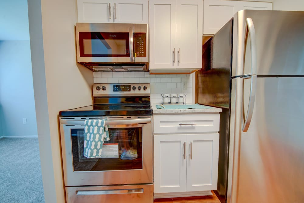 Bight kitchen at Beacon Pointe Apartments & Townhomes in Sparrows Point, Maryland