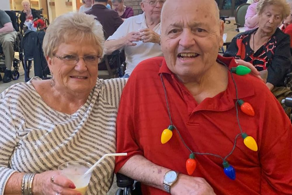 Happy residents at Forest Oaks of Spring Hill in Spring Hill, Florida