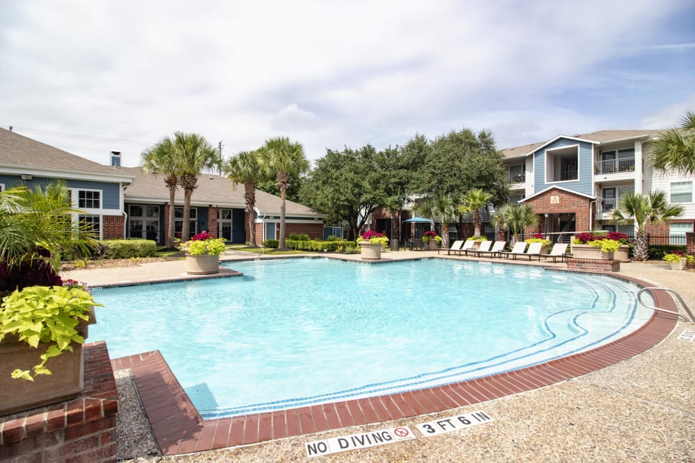 Outdoor pool at IMT At The Medical Center in Houston, Texas