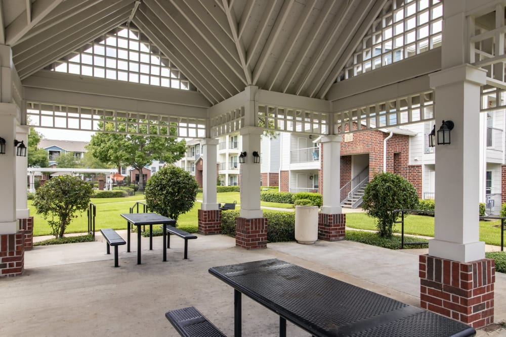 Outdoor community space at IMT At The Medical Center in Houston, Texas