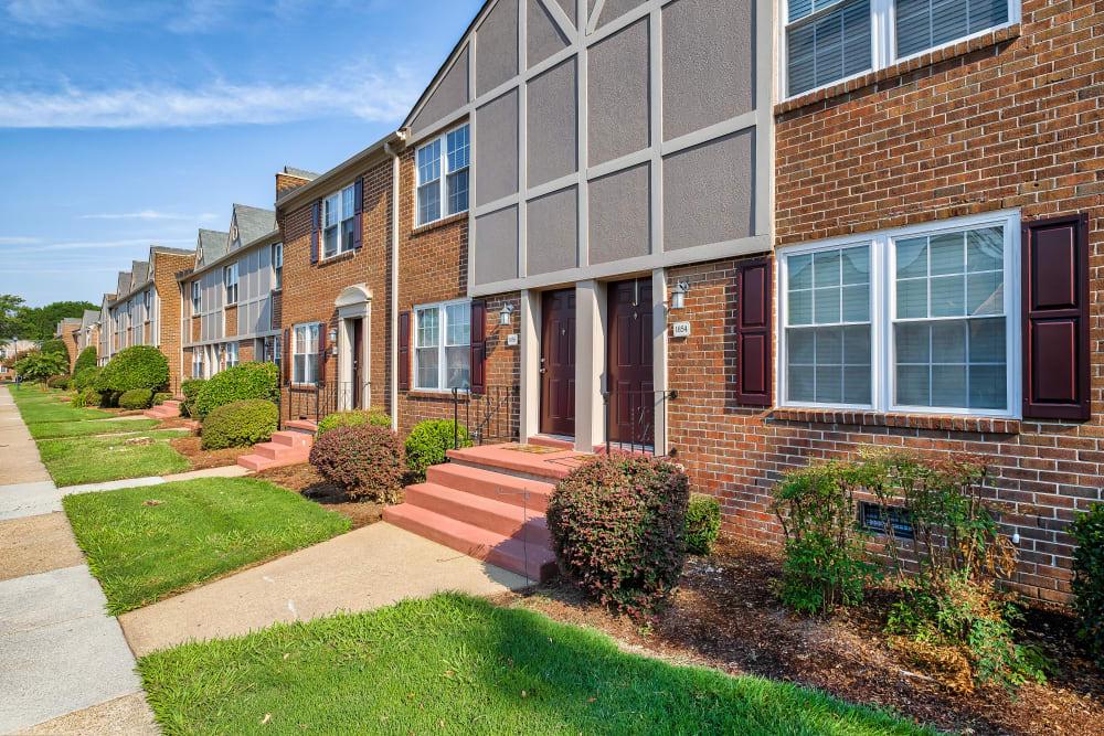 Exterior Apartment Homes at