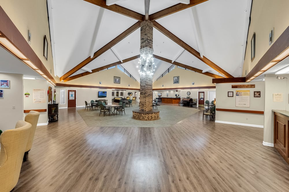 Common area with couches at Forest Oaks of Spring Hill