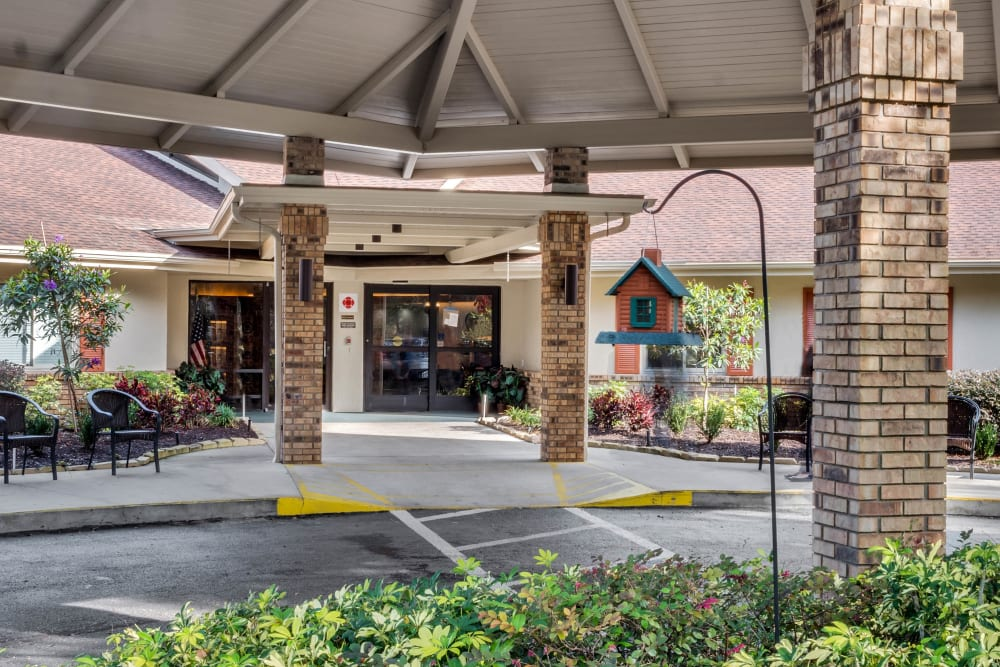 Exterior image of entrance at Forest Oaks of Spring Hill