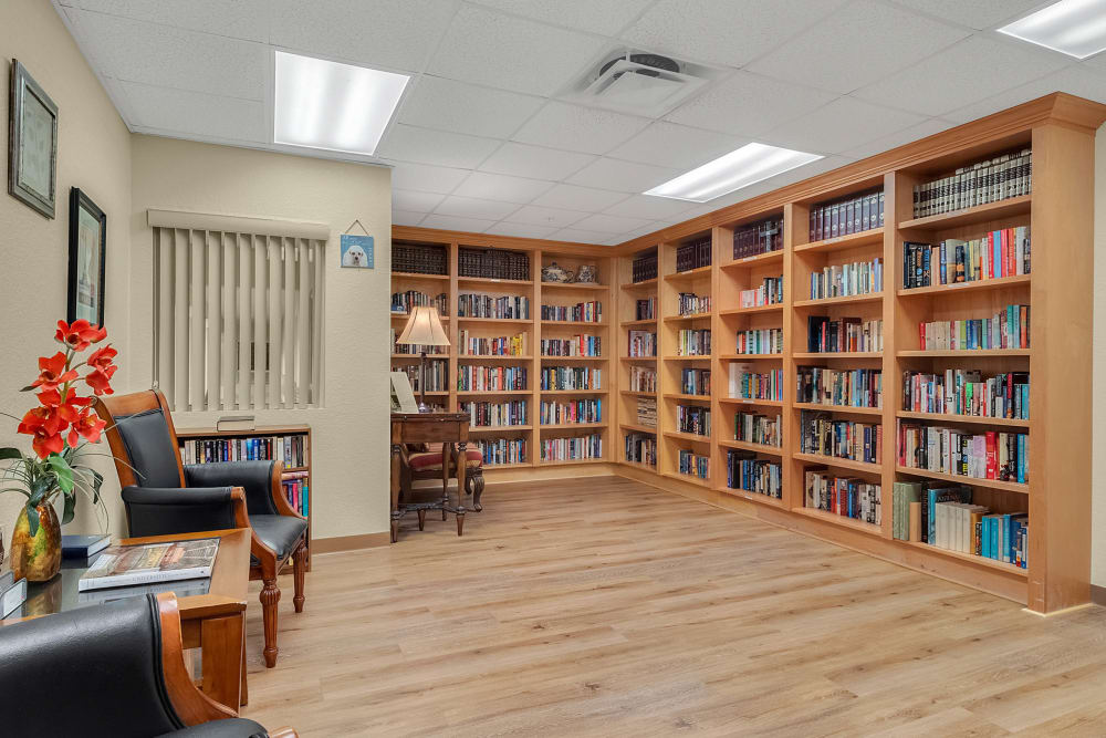 Expanisve library at {location_name}} in Lake Placid, Florida