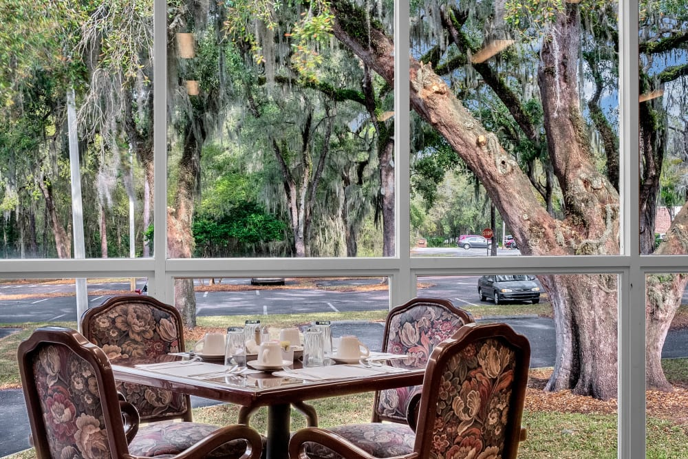 Dining seating with a view at The Grande in Brooksville, Florida