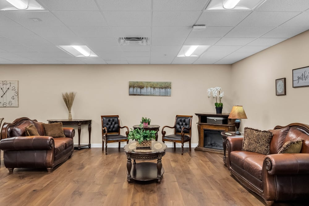 Lounge area at {location_name}} in Brooksville, Florida
