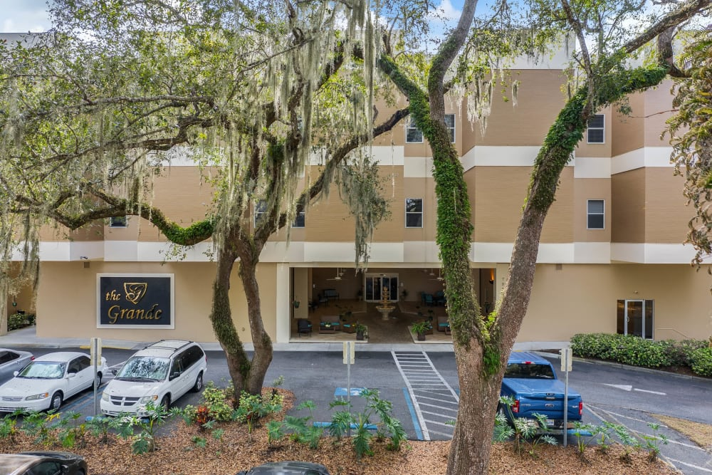 Outside view of the community at {location_name}} in Brooksville, Florida