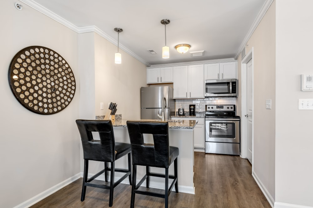 An apartment dining room at Singh Apartments in Michigan