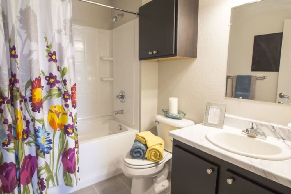 A decorated master bathroom at Legacy Trail in Norman, Oklahoma