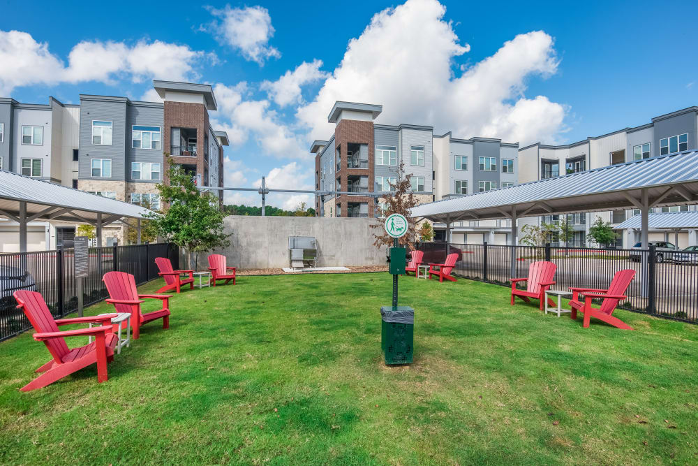 Outdoor lounge area at Enclave at Woodland Lakes in Conroe, Texas