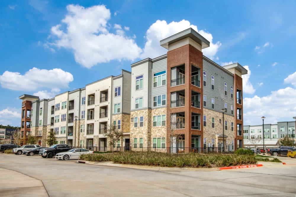 Street view of Enclave at Woodland Lakes in Conroe, Texas
