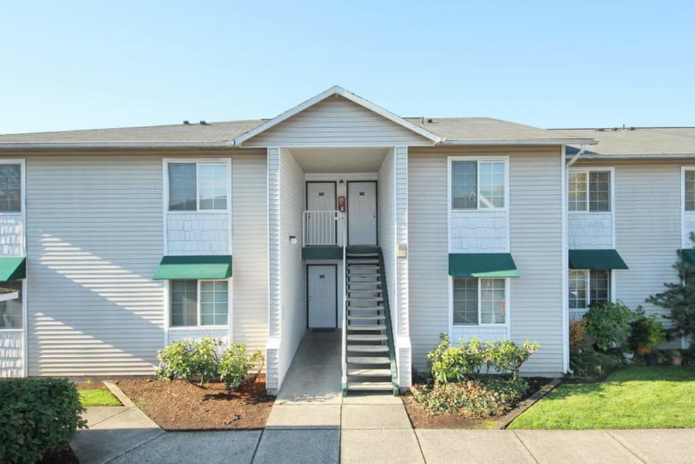 Exterior of Marketplace Apartments in Vancouver, Washington