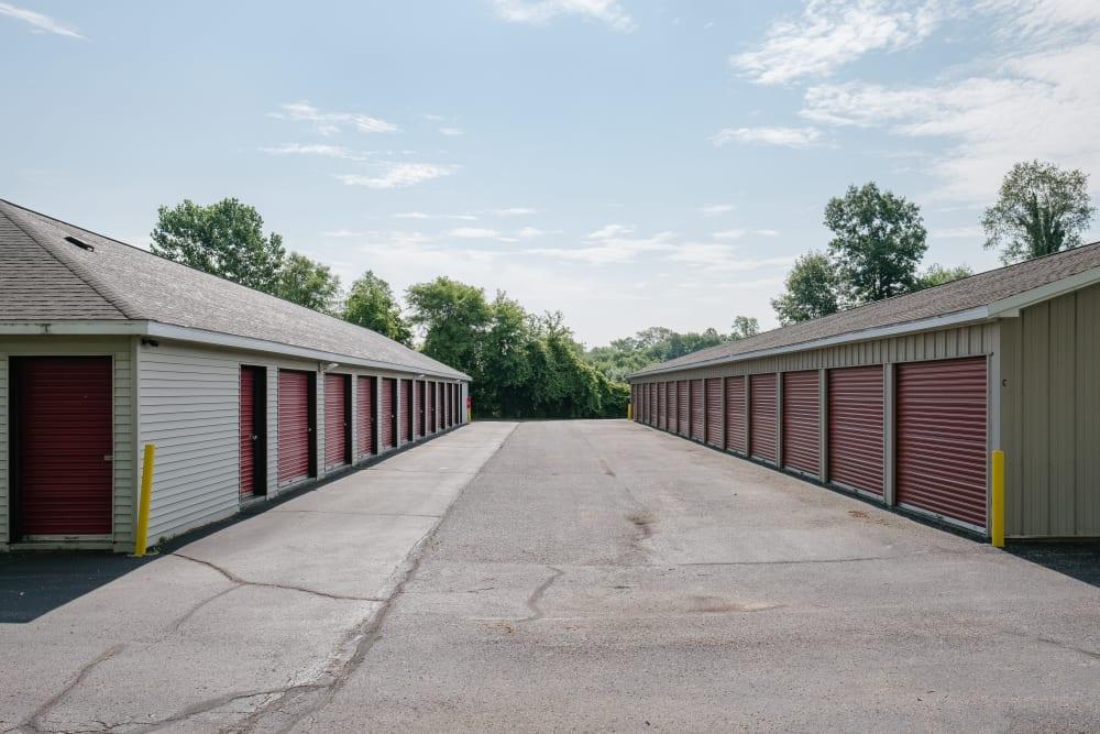 Easy access self storage units at StayLock Storage in Battle Creek, Michigan