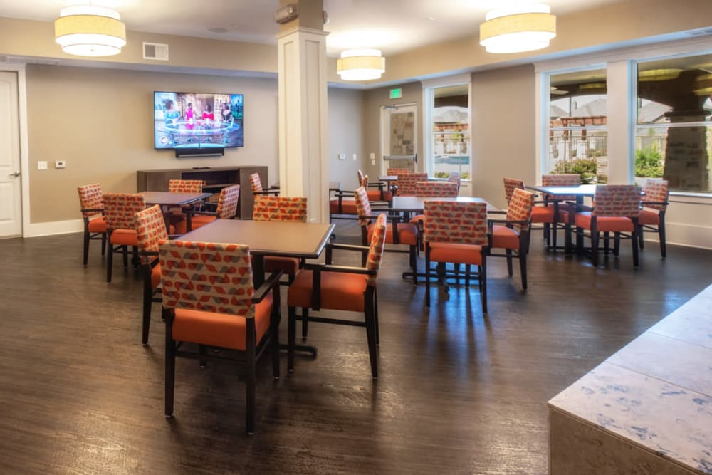 Community dining area at Artistry at Craig Ranch in McKinney, Texas